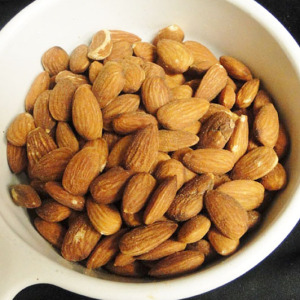 whole raw almonds 2