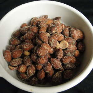 Hickory smoked Almonds 2